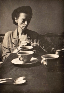 Gertrude Douglass a